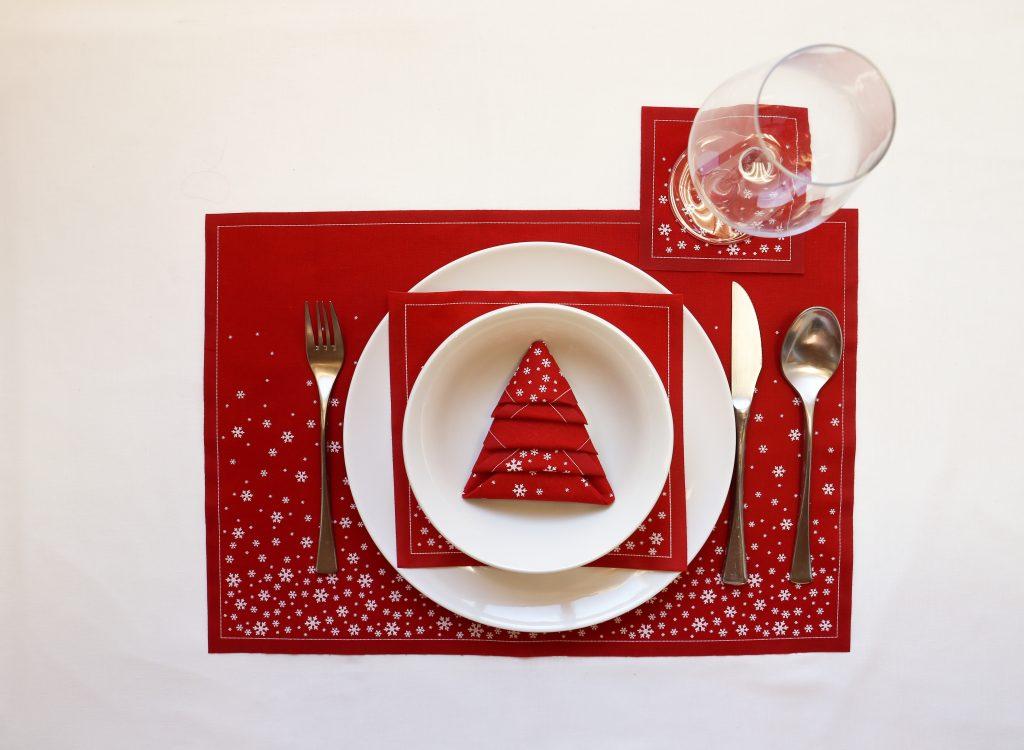 Cómo doblar servilletas de para la mesa de Navidad